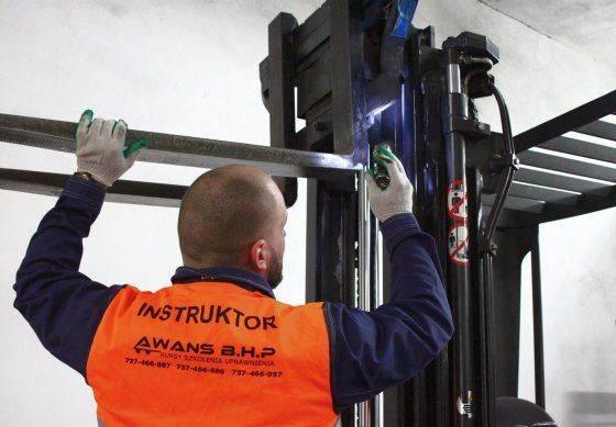 Kurs konserwacji - wykonywanie przeglądu konserwacyjnego wózka w Awans BHP
