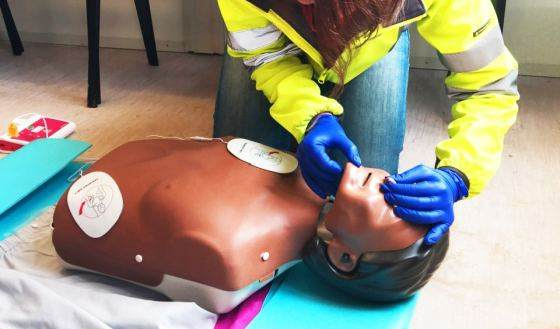 Kurs pierwszej pomocy w Awans BHP